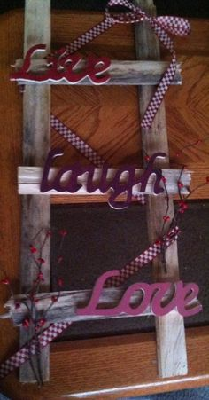 Live Laugh Love prim ladder by gigglesboutiquePA on Etsy Quick Crafts, Crafts To Make, Arts And Crafts, Diy Crafts, Country Crafts, Country Decor, Rustic Decor, Small Wood Projects, Diy Projects
