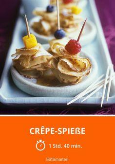 Süße Crêpe-Spieße mit Früchten