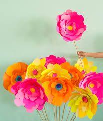 Resultado de imagem para giant paper flowers
