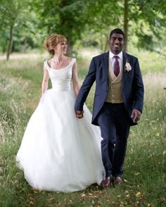 This bride glowed in a stunning Phillipa Lepley wedding gown at this rustic wedding in the English countryside.
