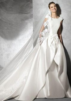 PRONOVIAS TABINA Wedding Dress photo