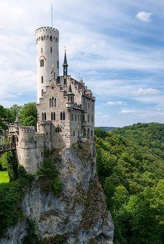 archatlas: Lichtenstein Castle juhku