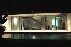 #Casas #Moderno #Exterior #Piscina #Puertas #Fachada #Vidrio