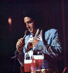 """Elvis wearing the """"Grass Suit"""" aka """"Wheat Suit"""" live on stage at """"The Las Vegas Hilton"""", August Memphis Mafia, King Elvis Presley, Elvis In Concert, Forever Love, Graceland, Belle Photo, Rock And Roll, Las Vegas, Photos"""