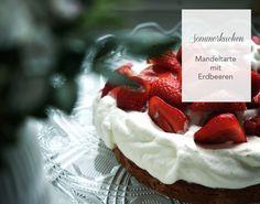 Das Rezept für den perfekten Sommerkuchen: Mandelkuchen mit Vanille-Schlagsahne und frischen Erdbeeren