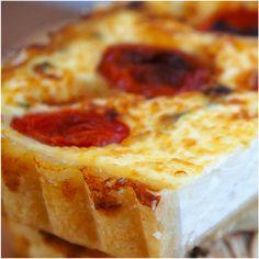 Quiche de mussarela de búfula com tomates e manjericão. Rápido, fácil e muuuiito gostoso!!!!