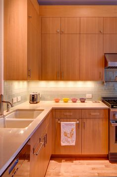 Fir Cabinets in Rowhouse Kitchen Remodel   Hammer & Hand