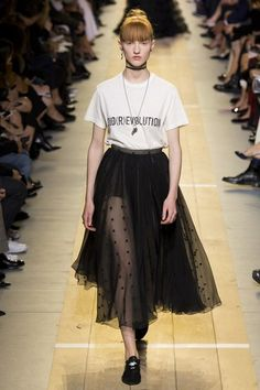 See the complete Christian Dior Spring 2017 Ready-to-Wear collection.