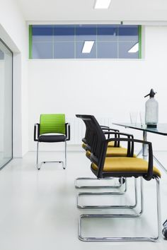 EASY PRO Drehstühle - Schulz Österreich GmbH Outdoor Furniture Sets, Outdoor Decor, Easy, Home Decor, Homemade Home Decor, Interior Design, Home Interiors, Decoration Home, Home Decoration