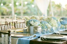 Blue white and silver tablescape | Photo: Set Free Photography