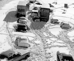 Blizzard of 1978 Toledo Ohio | abandoned cars blizzard 1978 | Blizzards. MEMORIES ;)...blizzards are way more fun when your 9 !