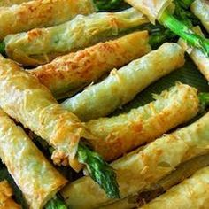 Asparagus Phyllo Appetizers Recipe Appetizers with prosciutto, asparagus spears, phyllo dough, cooking spray Phyllo Appetizers, Asparagus Appetizer, Asparagus Recipe, Appetizer Recipes, Prosciutto Asparagus, Asparagus Spears, Prosciutto Appetizer, Gourmet Appetizers, Philo Dough