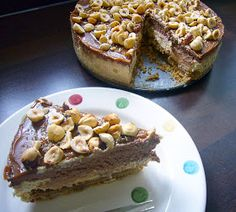 Sladká vášeň: Čokoládovo-karamelový cheesecake s lískovými oříšky Cheesecake, French Toast, Breakfast, Food, Dulce De Leche, Morning Coffee, Cheesecakes, Essen, Meals