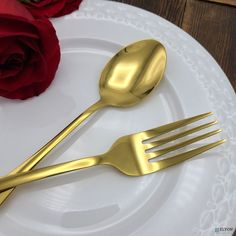 This beautiful reflective stainless steel gold plated flatware set is sure to impress your guests. It's perfect for parties, restaurants, or date night at home. Host some friends and enjoy your meal with this modern set, or gift it to a friend so they can serve in style.