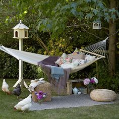 Garden with tree-hung hammock | Budget garden ideas | Garden | PHOTO GALLERY | Housetohome.co.uk