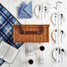 hochwertiges Picknick-Set: Weidenkorb, Decke, Besteck und Geschirr