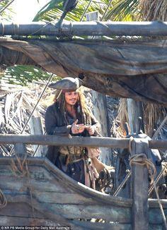 Johnny Depp and wife Amber Heard jet off to Hamilton Island Amber Heard  #AmberHeard