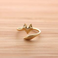 This Adorable Fox Ring Wraps Around Your Finger trendhunter.com