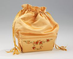 Reticule c. 1810-1825, Met.  I love these hard bottomed reticules.