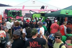 Cannabis+food+truck+visiting+farmers+market+in+Washington