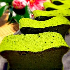 """""""Sweetness melting in the mouth and bitter taste of the adult, matcha dessert. A quick habit"""""""