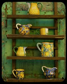 Italian Decor with Pottery