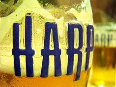 Cerveja Harp Super, estilo Malt Liquor, produzida por Dundalk, Irlanda. 9% ABV de álcool.