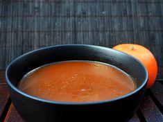 Käytän itse tätä helppoa appelsiinikastiketta usein broilerin grillikastikkeena. Se antaa broilerille kauniin värin ja makeahkon ja sitruksisen maun.