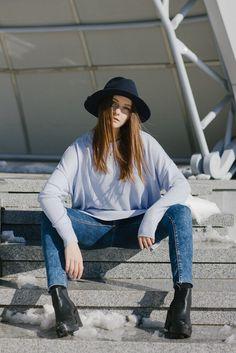 Девушка шляпа осень весна каблуки уличный стиль