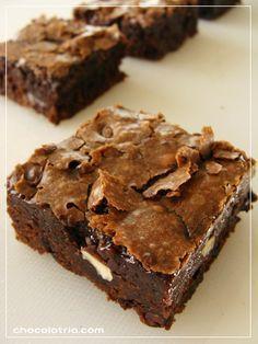 Brownies duplo de chocolate e avelãs