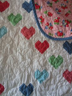 (chain chain chain) chain of hearts baby quilt | Flickr - Photo Sharing!  mollybquilts.blogspot.com