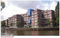 Op de 5e verdieping van dit gebouw vind je Panorama West. Je vindt Panorama West op de Baarsjesweg 224. Inderdaad, in het oude stadsdeelkantoor van De Baarsjes!