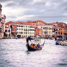 Just a normal Sunday in Venice enjoying a gondola ride on the Grand Canal. #hoteldanieli Photo by @_enk #theluxurycollection #spglife #myvenice #gondola #grandcanal #luxurylifestyle #venezia #italia #venice #italy_vacations #wonderful_places #lookslikefilm #neverstopexploring #wanderlust #globetrotter #globalexplorer #weekendgoals #italian_places