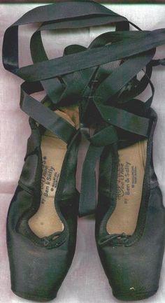 | P | Chausson de danse (ballet shoe)