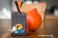 "Halloween 2016 Goodie Verpackung mit dem Stampin' Up Bundle ""Ein Haus für alle Fälle"".  Halloween 2016 treat box with Stampin' Up ""Sweet home"" bundle.  love2becreative.de"