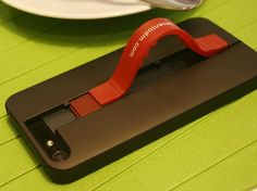 No more worrying about how you're going to sync or charge your phone. This clever case has the cable built right in. Read this article by Rick Broida on CNET. via @CNET