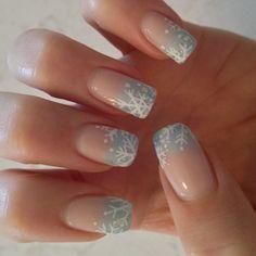 Snowflake nails they are so pretty! Holiday Nail Art, Xmas Nails, Christmas Nail Art, Fingernail Designs, Toe Nail Designs, Gorgeous Nails, Pretty Nails, Holiday Nail Designs, Snowflake Nails