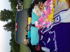 Truck full of blankets and pillows for the drive in movie sleepover fort, cute boyfriend Sleepover Fort, Fun Sleepover Ideas, Camping Diy, Truck Bed Camping, Camping Hacks, Summer Goals, Summer Fun, Summer Nights, Toyota Tacoma