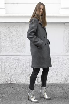Silver Mirror Boots ✨ | H&M Wool Coat / Zara Skinny Jeans / Buffalo Silver Boots (linked to shop similar Balenciagas)  | IG: @hauteatheart | *affiliate link Mirror Boots, Silver Boots, Shiny Shoes, Tis The Season, Wool Coat, Personal Style, Zara, Normcore, Skinny Jeans