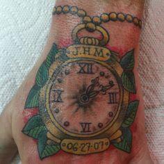 Old school Wood Watch, Old School, Dream Catcher, Tattoos, Accessories, Dreamcatchers, Tatuajes, Wooden Clock, Tattoo