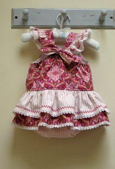 El modelo de costura Tinkerbelle mameluco de los bebés por FelicityPatterns