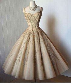 Tea-Length Prom Dress,Midi Dresses,A-Line Straps Homecoming Gown,Organza Homecoming Dress with Appliques,Sweetheart Party Gown from simibridaldresses