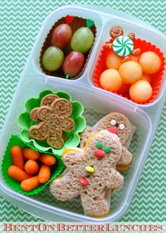 bento box lunch Fun festive gingerbread men lunches are made fast & easy with holiday cookie cutters, colorful muffin cups, and cute cupcake picks Kids Lunch For School, Lunch Kids, School Lunches, Bento Kids, School Fun, Boite A Lunch, Toddler Lunches, Kid Lunches, Healthy Lunches