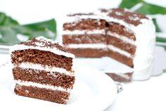 """Esta es mi primera """"Selva Negra"""", una rica tarta de chocolate y nata, de las que gustan a todos. Feliz día del padre"""
