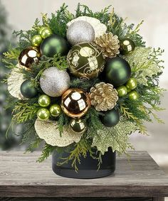 Christmas Flower Arrangements, Christmas Flowers, Green Christmas, Christmas Holidays, Christmas Wreaths, Christmas Crafts, Christmas Ornaments, Christmas Ideas, Christmas Cookies