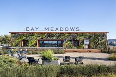 Bay Meadows Welcome Center - San Mateo, CA (photo © Garry Belinsky)