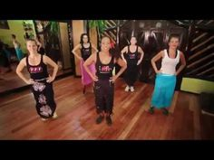 Bollywood and Boxing! This great boxing/belly dancing workout will burn . Swing Dancing, Girl Dancing, Dance Outfits, Dance Dresses, Ballet Music, Youtube Workout, Country Dance, Dance Hairstyles, Tribal Belly Dance