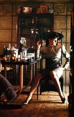 Sean Young - Blade Runner -- Perhaps a bit more film noir inflected than dieselpunk, Blade Runner's vision of a future that looks like a noir film is an outstanding realization of the retro-futurist aesthetic. Science Fiction, Fiction Movies, Sci Fi Movies, Pulp Fiction, Indie Movies, Sean Young Blade Runner, Film Blade Runner, Blade Runner 2049, Ridley Scott Blade Runner