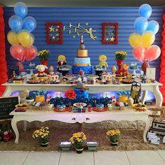 Fofura essa inspiração de decoração no tema Pequeno Príncipe. Decor @artsprovence Fotografia @maysacs Bolo Cenógrafico @anakmarcelino Balões @ninabaloes #festejarcomamor #festainfantil #festamenina #festamenino #festameninoemenina #maedemenino #maedemenina #aniversarioinfantil #aniversariomenina #aniversariomenino #partyideas #kidspartyideas #pequenoprincipe #festapequenoprincipe #decoracaopequenoprincipe by festejarcomamor Prince Birthday Theme, First Birthday Parties, First Birthdays, Candy Table, Dessert Table, The Little Prince, Layout Inspiration, Christening, Baby Shower