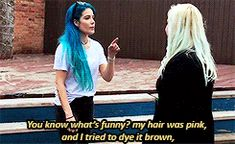 """the famous silver hair story. she dyed her hair hoping it would be brown but it was silver to which she said-""""this is not brown, but im ok with it"""" haha oh halsey"""